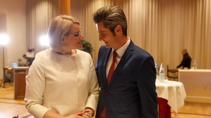 OB-Kandidaten Eva Weber (CSU) und Dirk Wurm (SPD); beide werden in die Stichwahl gehen; Kommunalwahl 2020, Rathaus Augs