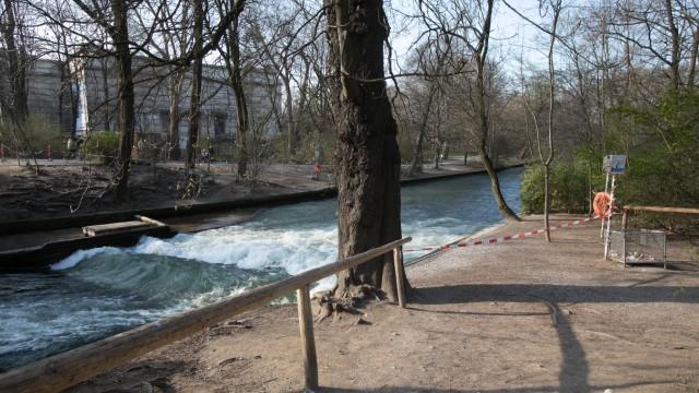 Leere Plätze: Surferwelle im Englischen Garten, Prinzregentenstraße
