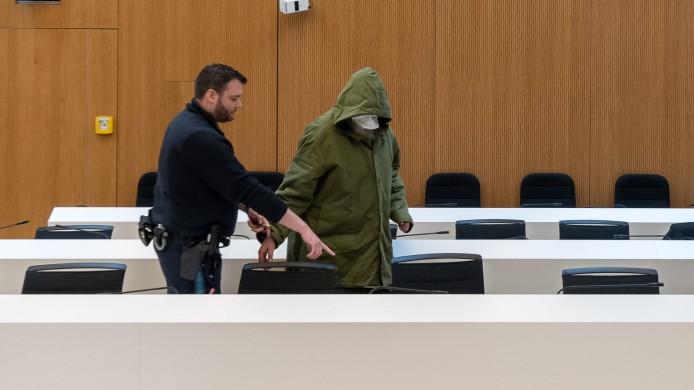 Das Oberlandesgericht in München verhandelt gegen einen 56-Jährigen wegen schweren sexuellen Missbrauchs - es geht um 761 Fälle