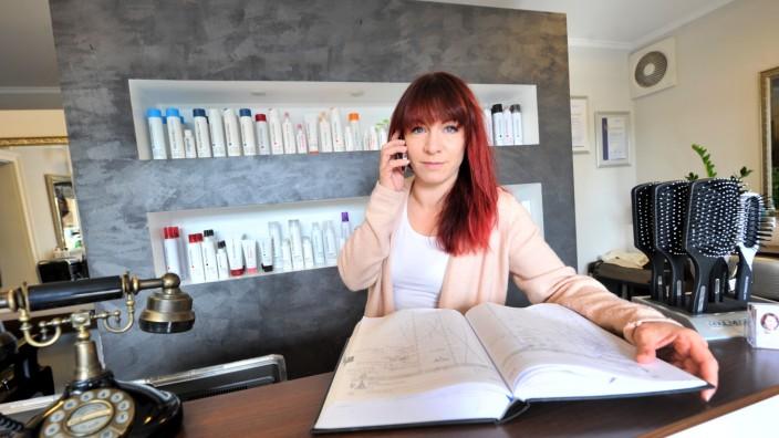 Weßling: Friseursalon Scherenschnitt - Caroline Eickmeyer