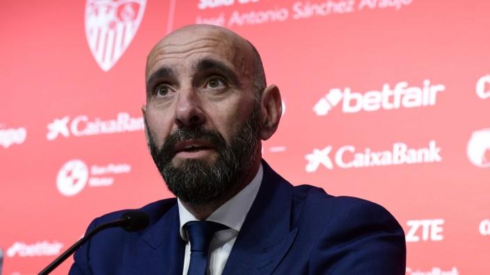 Presentacion de Monchi como nuevo director deportivo del Sevilla Presentation of Monchi as the new; Monchi