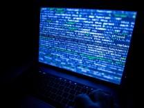 Aktion gegen Botnetz Emotet: Ermittler wollen den König der Schadsoftware gestürzt haben