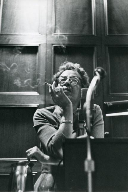 Hannah Arendt an der University of Chicago 1966 © Art Resource, New York, Hannah Arendt Bluecher Literary Trust
