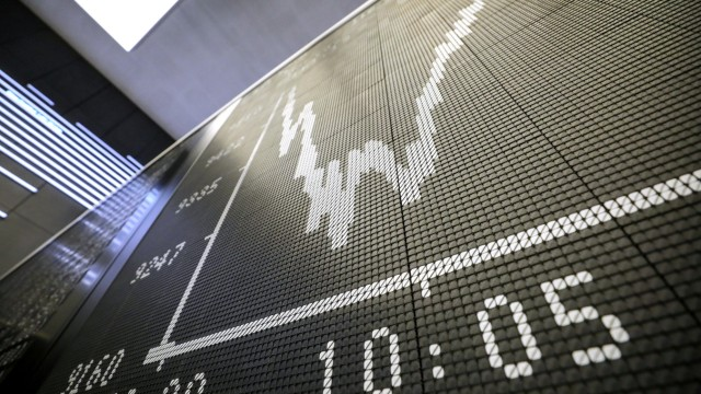 Europe Stocks Attempt Rally in Worst Week Since Financial Crisis