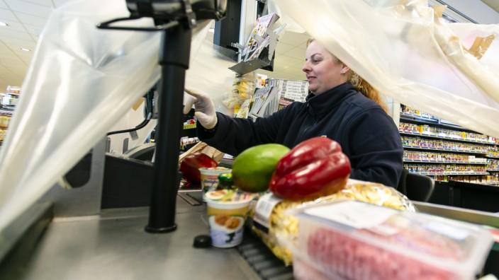 Coronavirus - Supermarktkassiererin