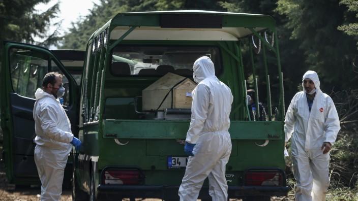 Coronavirus in der Türkei: Ein Leichenwagen in Kilyos
