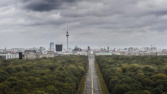 Uebersicht von Berlin aufgenommen von der Siegessaeule Berlin 07 10 2017 Berlin Deutschland ***