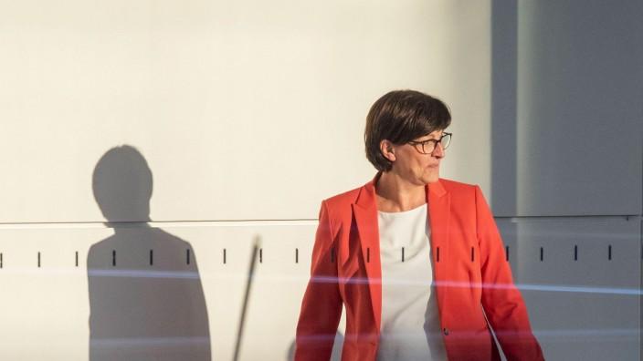 SPD-Parteichefin Saskia Esken im Deutschen Bundestag