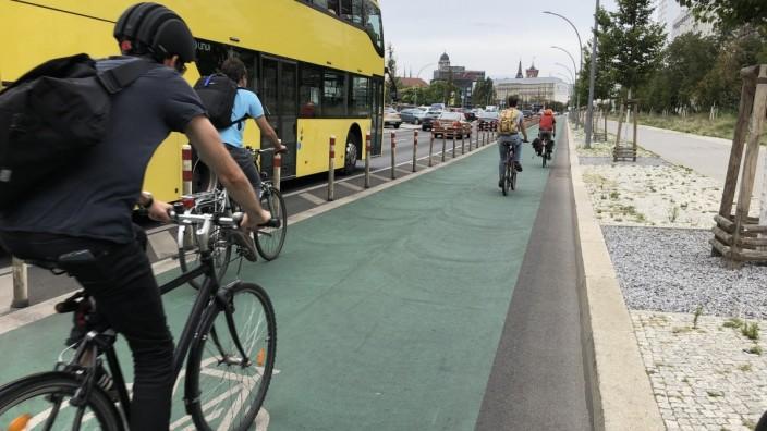 """Best-Practise-Beispiele zu Radverkehrs-Infrastruktur in anderen Ländern für das Projekt """"InnoRad"""""""