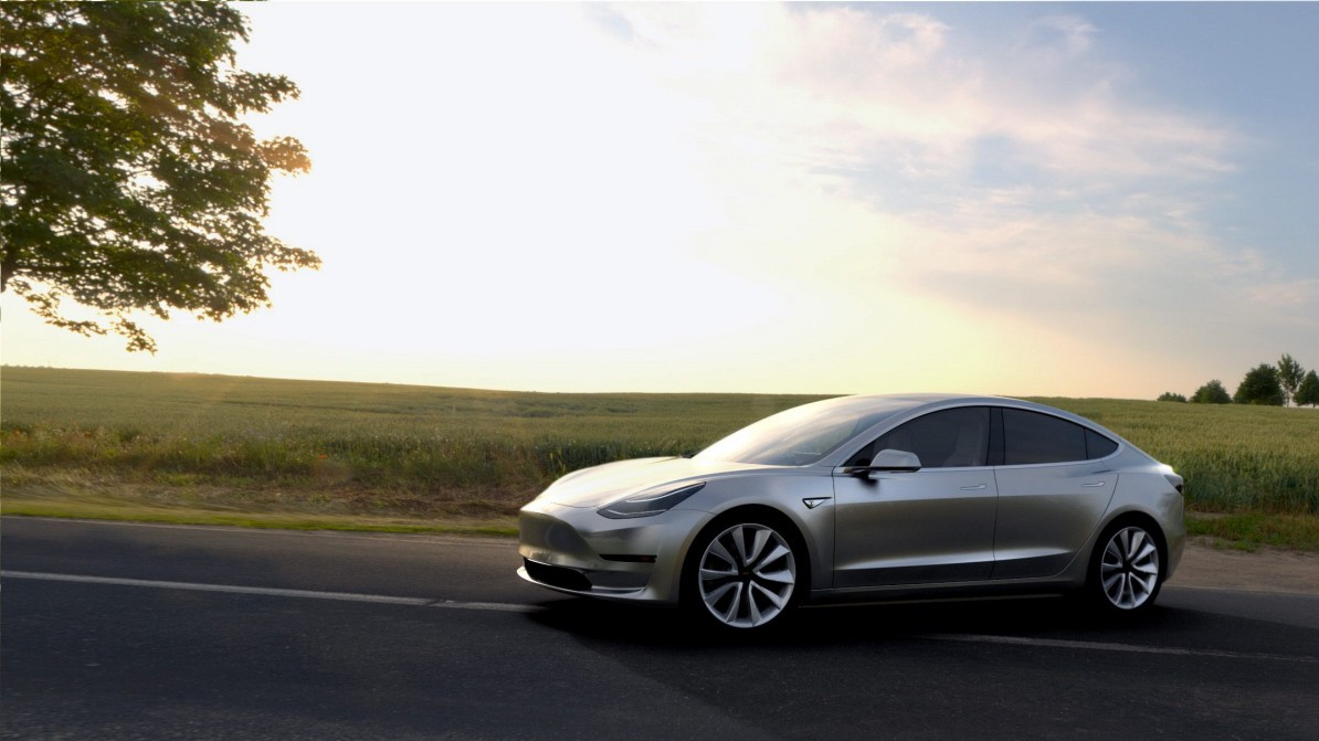 Tesla Model 3 im Alltagstest: Coole Digital-Ikone