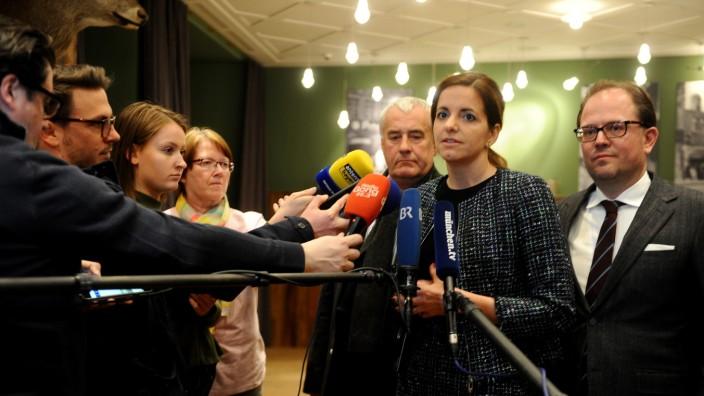 Kristina Frank, Manuel Pretzl und Ludwig Spaenle am Abend der Kommunalwahl in München, 2020
