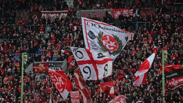 07.03.2020, xklex, Fussball 3.Liga, 1.FC Kaiserslautern - SV Meppen emspor, v.l. Die Fans des 1.FC Kaiserslautern (DFL/D; FCK