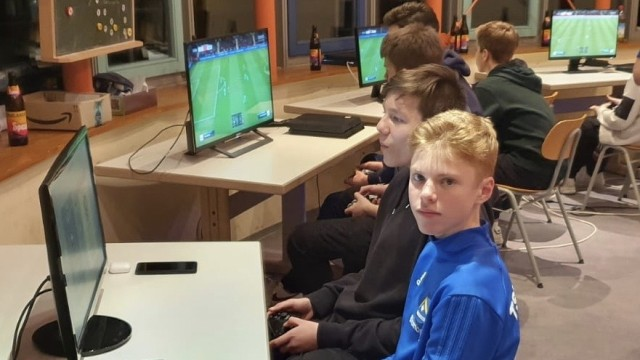 Ebersberger Klubs in Coronazeiten: Der TSV Poing bietet die kostenlose Teilnahme am E-Sport an. Gespielt wird daheim, Turniere wie dieses wird es erst später geben.