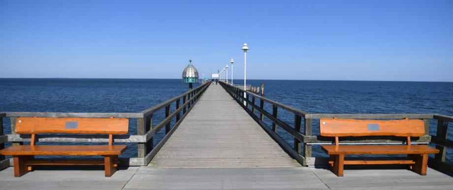 Die Seebrücke von Zinnowitz auf Usedom ist nahezu menschenleer.