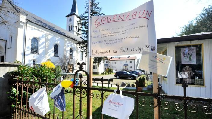 Starnberg: Gabenzaun an der Friedenskirche