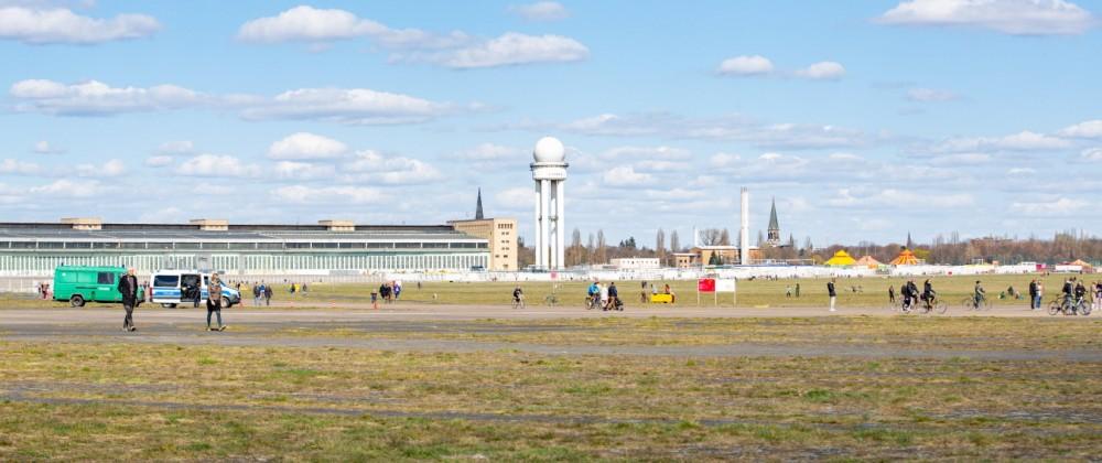 Frühlingshaftes Wetter lockt die Berliner nach draußen, Am Samstag zog es bei knapp 15 Grad und Sonnenschein hunderte Be