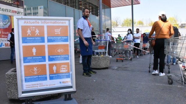 Ansturm auf Supermärkte an Karsamstag