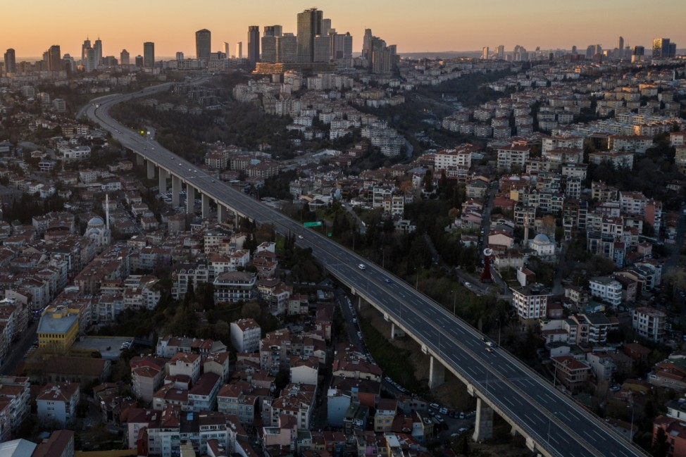 ***BESTPIX*** Turkey Imposes Weekend Lockdown In Major Cities To Curb Coronavirus Spread