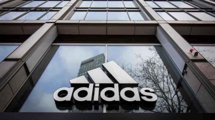 Sportartikelhersteller: Viele Konzerne brauchen derzeit dringend flüssige Mittel, um in der Corona-Krise handlungsfähig zu bleiben. Adidas ist besonders hart betroffen.