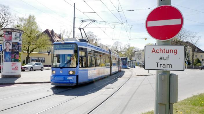Corona-Krise in München: Ein Mann wurde am Donnerstag von einer Tram getötet. (Symbolbild)