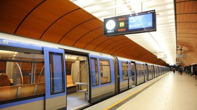 Corona-Krise in München: Bei der U-Bahn zeigt sich, dass die eigentlich schon für Mai geplante Umstellung auf den Linien U2 und U5 sowie der Verstärkerlinie U7 auf den Dezember verschoben werden muss.