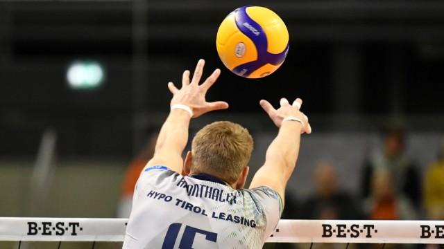 NIKLAS KRONTHALER (Haching), beim Block BR Volleys Berlin - Alpenvolleys Haching Deutsche Volleyball Liga, Saison 2019/2; Volleyball