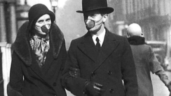 Schon beim Ausbruch der Spanischen Grippe in den Jahren 1918 und 1919 wurden Gesichtsmasken als Schutz vor einer möglichen Ansteckung verwendet.