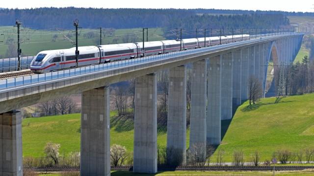 Bahnbrücke in Thüringen
