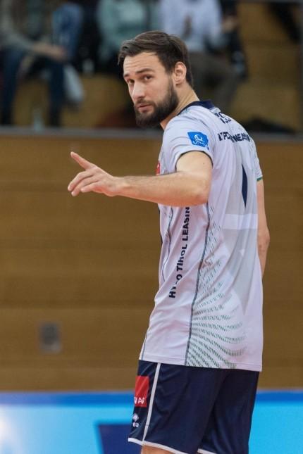 Volleyall, CEV Cup, Hypo Tirol AlpenVolleys - Barkom-Kazhany Lviv Im Bild Florian RINGSEIS (Hypo Tirol AlpenVolleys, 1); Volleyball - Florian Ringseis