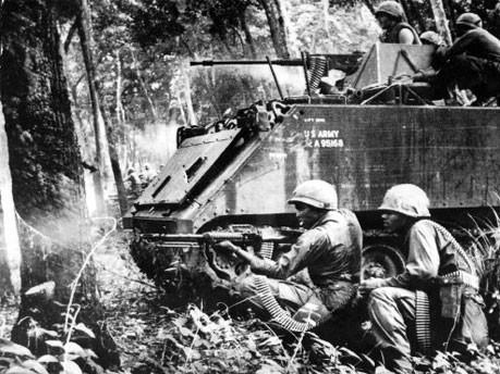 Amerikanische Soldaten bei Kämpfen an der kambodschanisch-vietnamesischen Grenze, AP