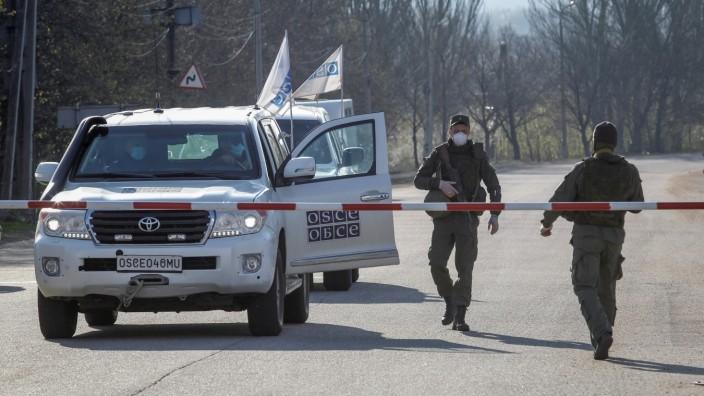 Exchange of prisoners between Ukraine and the separatist republics near the Mayorsk crossing point in Donetsk Region