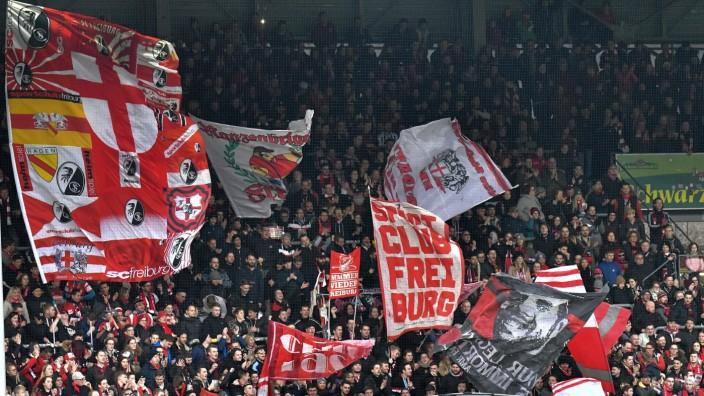 07.03.2020, xblx, Fussball 1.Bundesliga, SC Freiburg - Union Berlin emspor, v.l. Freiburger Fans (DFL/DFB REGULATIONS PR; Freiburg