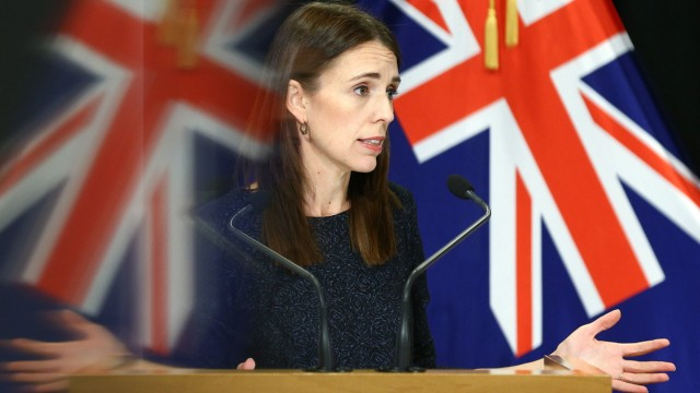 (200331) -- WELLINGTON, March 31, 2020 (Xinhua) -- New Zealand s Prime Minister Jacinda Ardern speaks during a press con