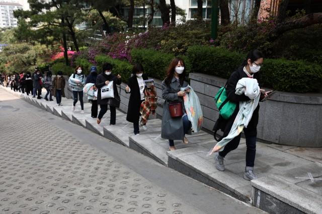 South Korean Students Sit For Public Exam Amid The Coronavirus Pandemic
