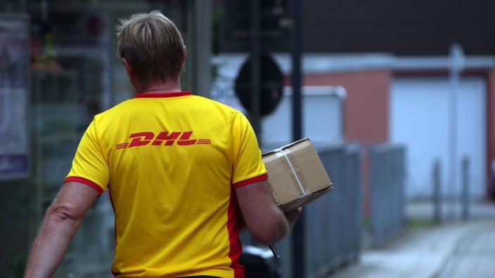 Paketzustellung Deutsche Post DHL