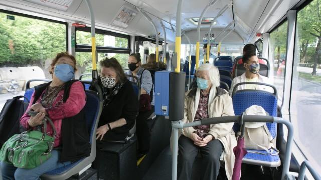 Masken im Bus am Ostbahnhof