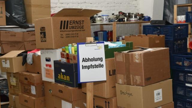 """Verein """"Heimatstern"""" in München sammelt Hilfsgüter für Flüchtlinge und Odachlose, 2020"""