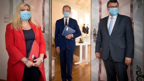 LRA / Landratsamt - Pressekonferenz  / PK zur Lage der Cotrona-Pandemie