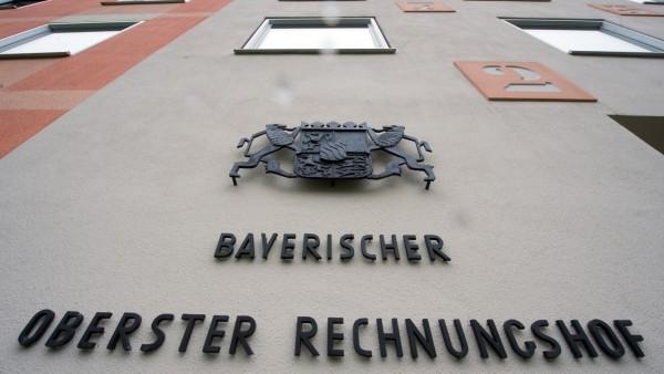 Der Bayerische Oberste Rechnungshof übt in mehreren Punkten Kritik an der Staatsregierung.