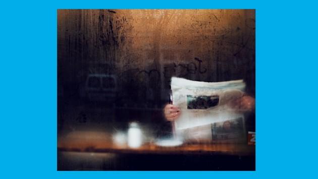 Voloausgabe, Pressefreiheit, Cafe, Fenster, Durchblick, zeitung