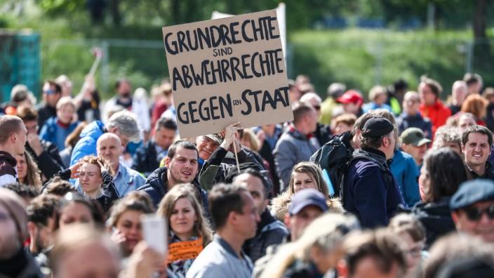 Protestkundgebung der Initiative 'Querdenken'