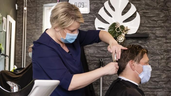 Corona-Krise: Friseursalon in Kiel in Zeiten des Coronavirus