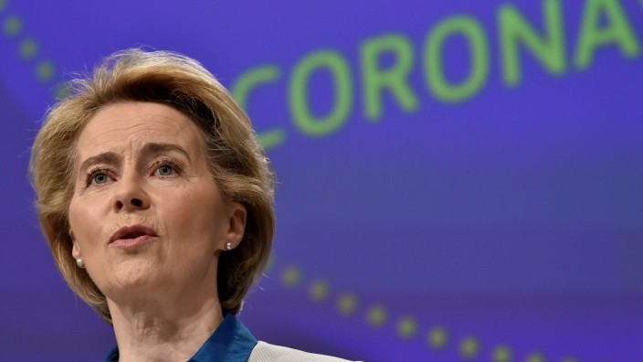 FILE PHOTO: The President of European Commission Ursula von der Leyen holds a news conference on the European Union response to the coronavirus disease (COVID-19) crisis at the EU headquarters in Brussels