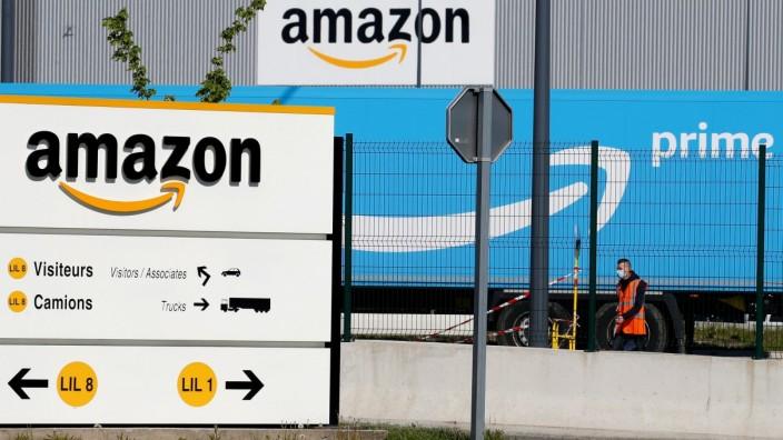 FILE PHOTO: Amazon logistics center in Lauwin-Planque