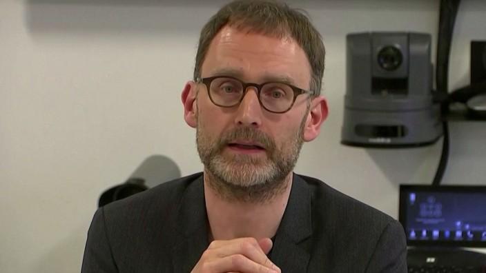 Scientist advises UK gov't on coronavirus steps down after lockdown breach