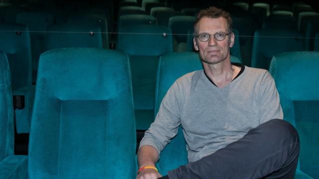 Holger Trapp von den City-Kinos München; Spielplatz und Kino Ipad gerade