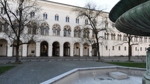 Studium digitale: Nicht nur der Brunnen ist leer: So wie die anderen Hochschulen in Deutschland ist auch die Ludwig-Maximilians-Universität München derzeit verwaist. Gelehrt wird trotzdem – digital.