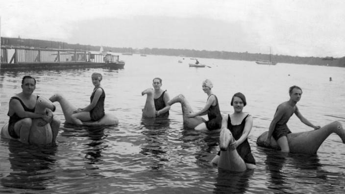 Badevergnügen im Wannsee 1925
