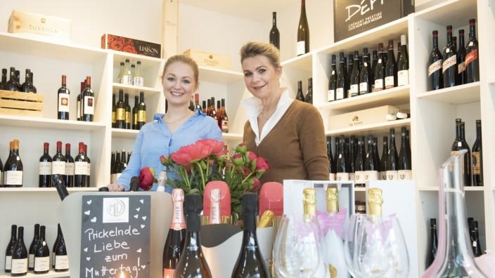 Kirchheim, M&D Sommelier, v.li.  Franziska und ihre Mama Heidi Schrade haben gerade einen Weinladen eröffnet,