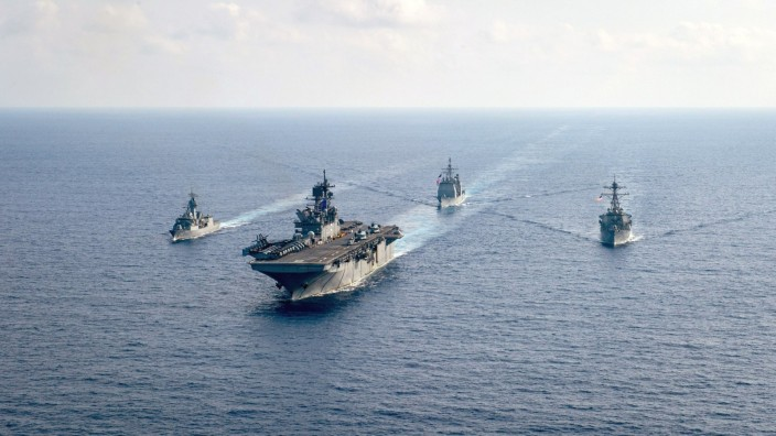 U.S. Navy and Royal Australian Navy team up in the South China Sea